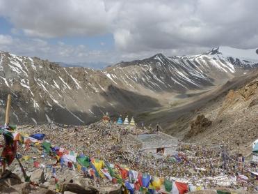 Khardung La - hoogste bereidbare weg in India en een van de hoogste ter wereld